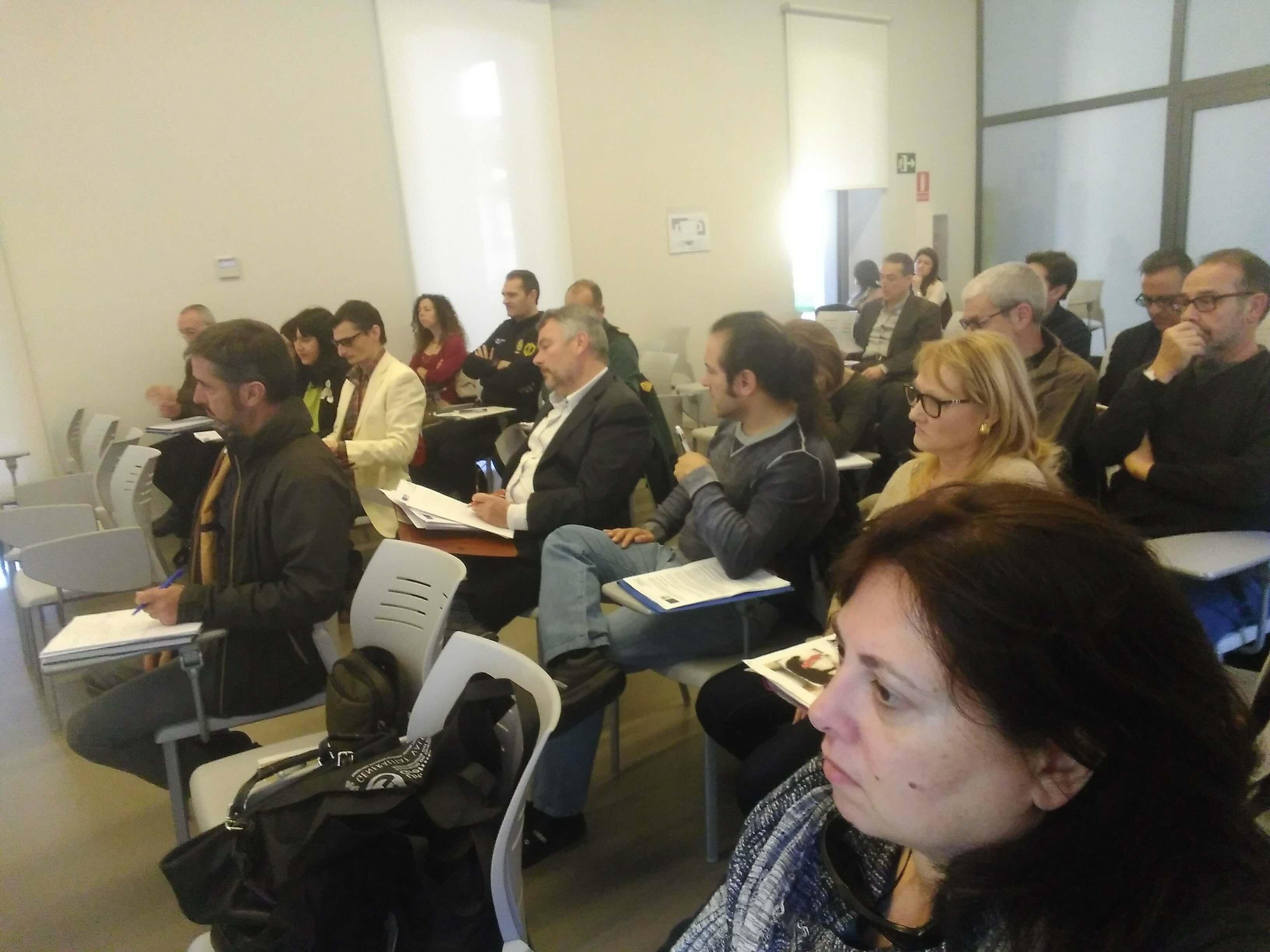 Miembros de la Junta Directiva de GRECOACOM asisten a la presentación del Borrador de la nueva Ley de Protección Animal de la Comunidad Valenciana